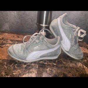 Little girls puma silver glittery shoes